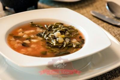 Sopa de papas con acelgas